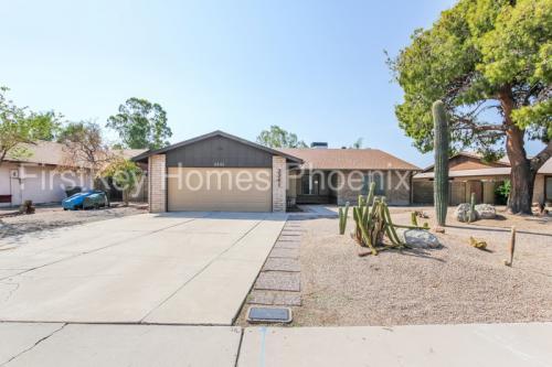 3361 W Phelps Road Photo 1