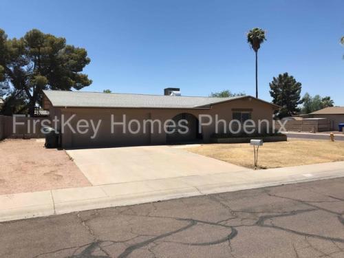 4535 W Shaw Butte Drive Photo 1