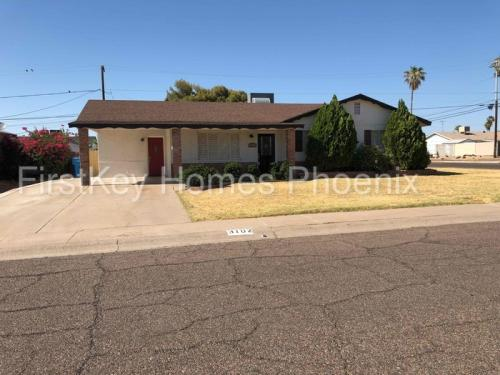 3102 W Charter Oak Road Photo 1