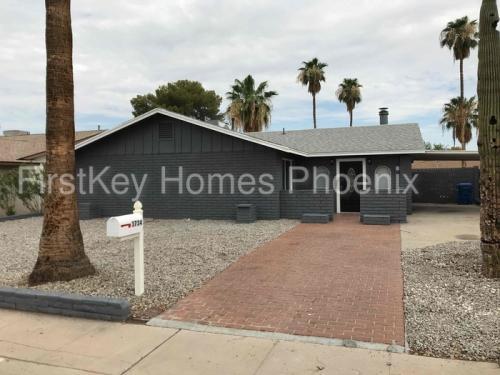 3734 W Sierra Street Photo 1