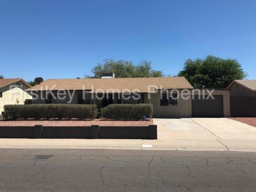 4419 W Turquoise Avenue Photo 1