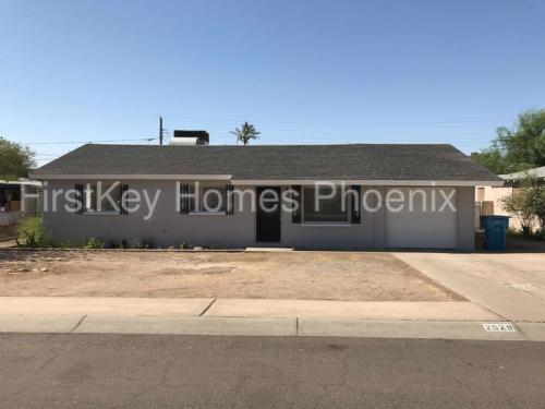 2929 W Rancho Drive Photo 1