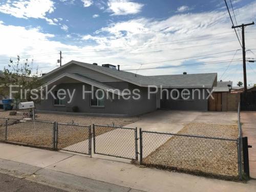 2939 N 53rd Drive Photo 1