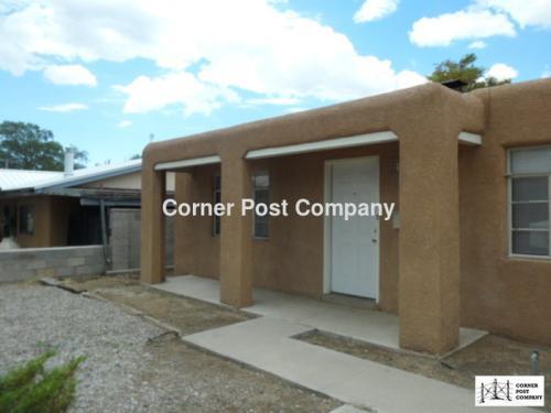 10813 Cordova Avenue NE Photo 1