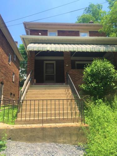 302 Platt Avenue Photo 1