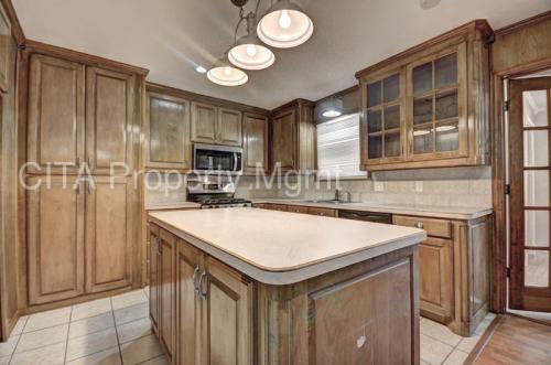 6020 Whitley Road Photo 1