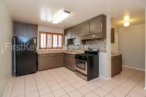 5719 N 23rd Avenue Photo 1