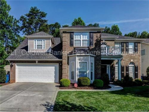 2229 Dunnwood Hills Drive Photo 1
