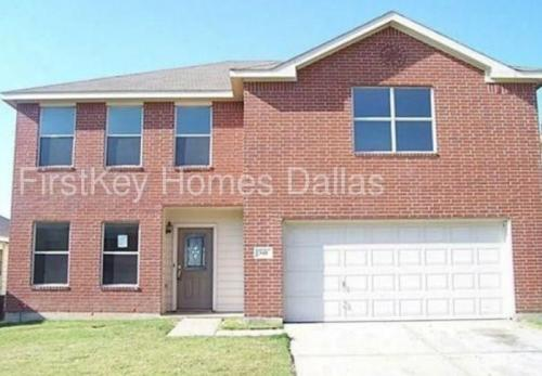 348 Blairwood Drive Photo 1