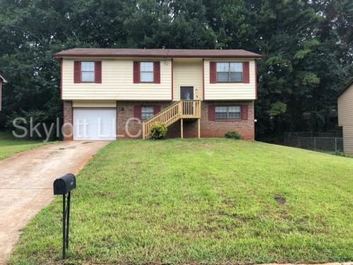 2546 Candler Woods Drive Photo 1
