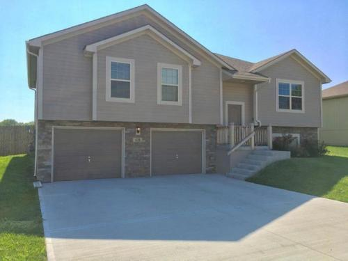 410 Golfview Drive Photo 1