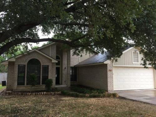 1609 Willow Park Drive Photo 1