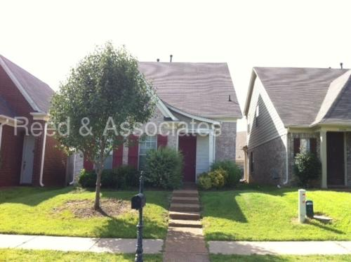 10256 Sterling Ridge Drive Photo 1
