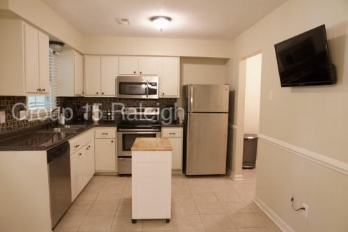 5586 Hamstead Crossing Photo 1