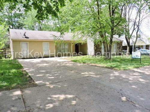 4299 Crescent Park Drive Photo 1