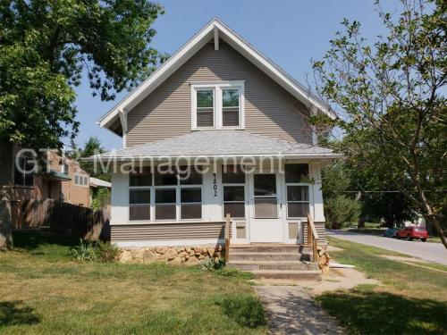 4802 Webster Street Photo 1