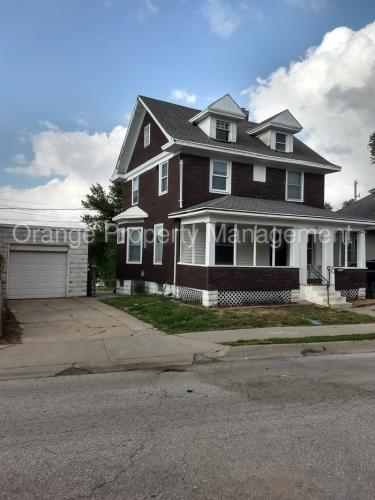 912 Forest Avenue Photo 1