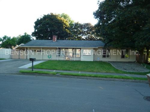 215 NE 197th Avenue Photo 1
