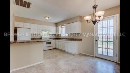 8504 W Taylor Street Photo 1