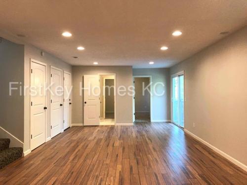 16632 W 144th Terrace Photo 1