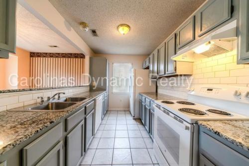 8015 Sheringham Way Photo 1