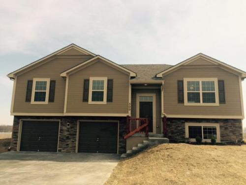 300 Golfview Drive Photo 1