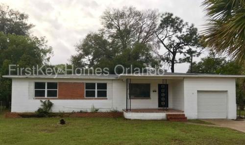 Chimney Lakes, Jacksonville, FL. Home For Rent. 2946 Rogero Road Photo 1
