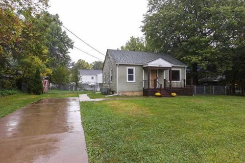 1030 E 18th Street Photo 1