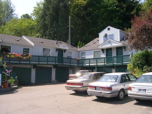 12437 Tukwila International Boulevard #05 Photo 1