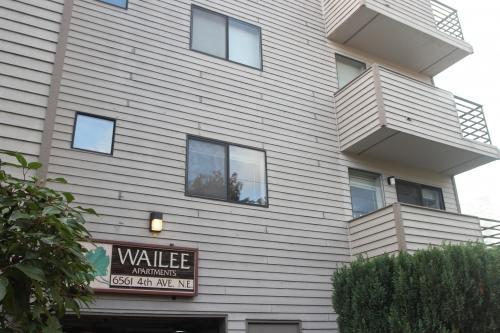 6561 4th Avenue NE Photo 1