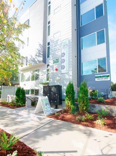 5949 California Avenue SW #MICRO STUDIO Photo 1