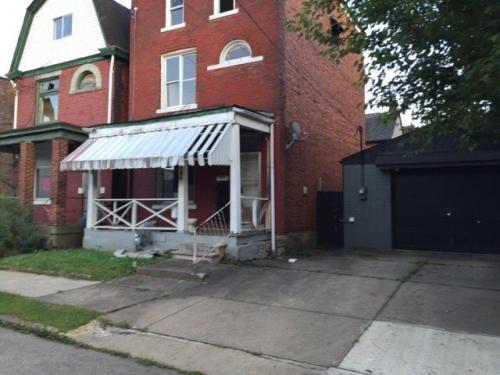 419 W Elizabeth Street Photo 1
