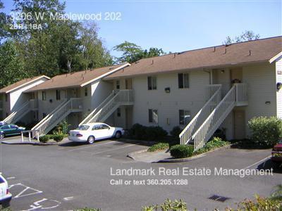 3206 W Maplewood 202 Photo 1