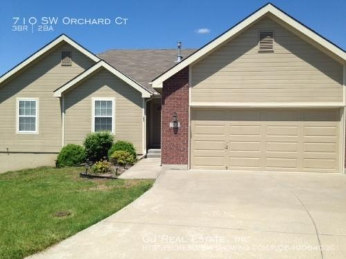 710 SW Orchard Court Photo 1