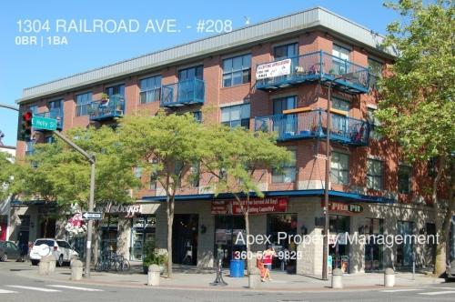1304 Railroad Avenue #208 Photo 1