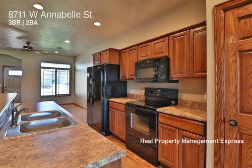 8711 W Annabelle Street Photo 1