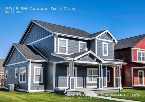 2015 SW Cascade Falls Drive Photo 1