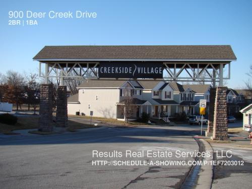 916 NE Deer Creek Dr Photo 1