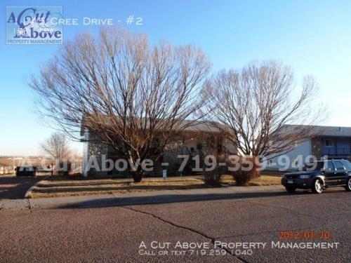 1145 Cree Drive #2 Photo 1