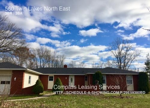 560 Twin Lakes NE Photo 1