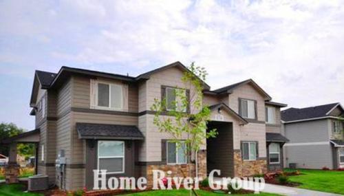 896 N Maple Grove Road #102 Photo 1