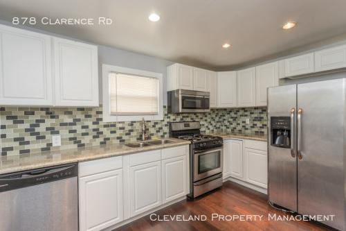 878 Clarence Road Photo 1