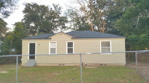 8069 Lexington Drive Photo 1