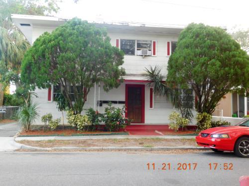407 Engman Street Photo 1