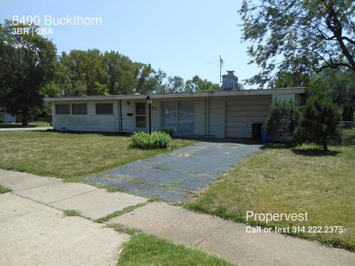 8400 Buckthorn Photo 1