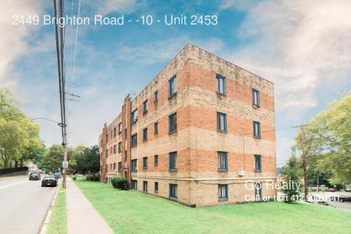 2449 Brighton Road Photo 1