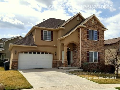 588 Harvest Moon Dr Photo 1