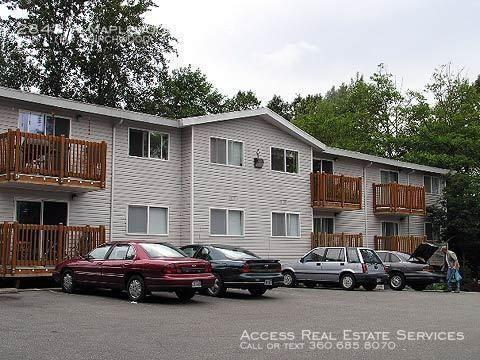2843 W Maplewood Avenue #6 Photo 1