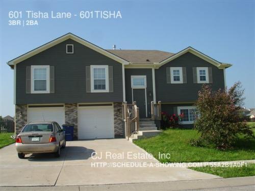 601 SW Tisha Ln 601TISHA Photo 1
