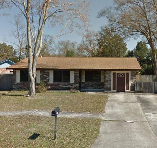 735 E Perryman Lane Photo 1